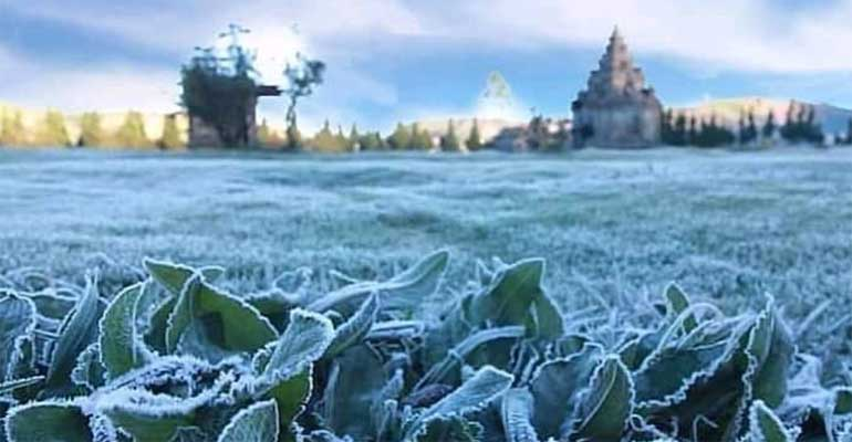 Suhu Dieng Minus 5 derajat Celcius, Air Membeku jadi Es