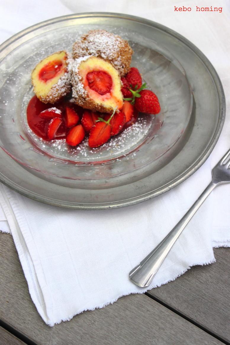 Erdbeerknödel, Topfengriesknödel mit Zimtbrösel und Erdbeerragout die perfekte Mehlspeis bzw. Süßspeise im Frühling, einfach zu machen und sehr lecker. Rezept auf dem Südtiroler Food- und Lifestyleblog kebo homing