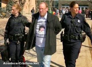 Hombre detenido por predicar
