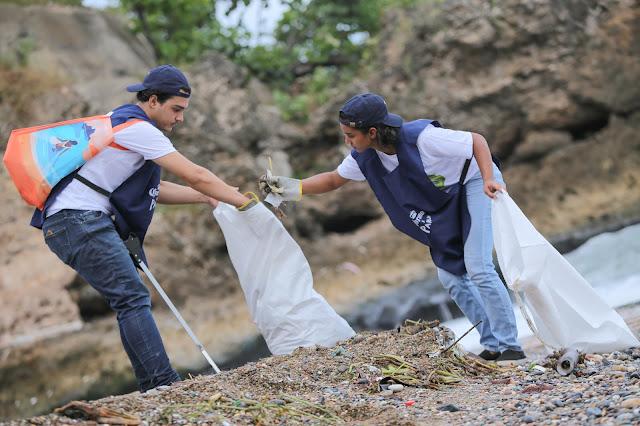 Corona llamó a la población a sumarse y ayudar a proteger las playas disminuyendo cada día el uso de plásticos de un solo uso