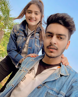 Rachit Rojha with his girl friend
