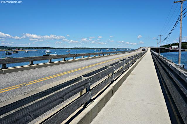 Carretera del Puente Bailey Island Bridge en Harpswell, Maine
