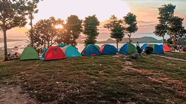 Camping di Bukit Pematang Sunrise
