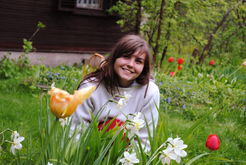 ceweek dan gaid desa rusia manis Larissa Ilchenko