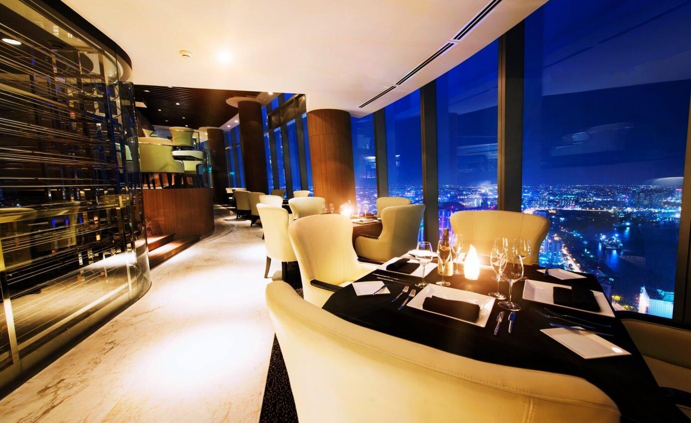 Nhà hàng chân mây của khu căn hộ cao cấp Amber Riverside
