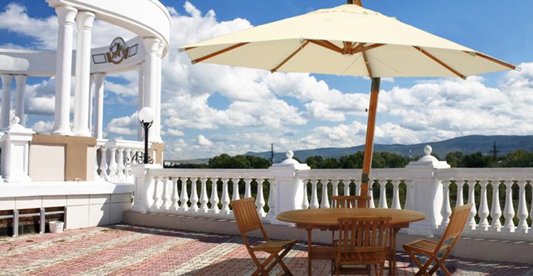 Parasoles de madera serie brazo exterior empresas - Sombrillas y parasoles ...