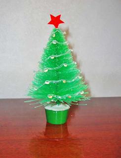 arvore de natal feita com garrafa pet passo a passo