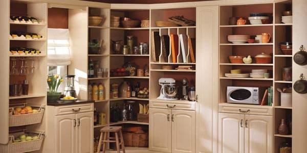 menyimpan barang di dapur kecil