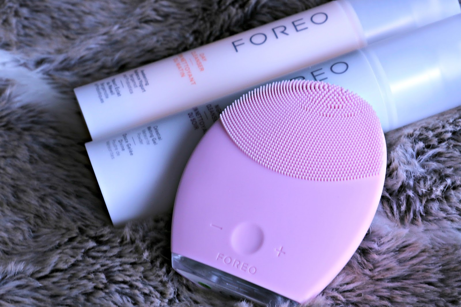 Foreo Luna 2 for Normal Skin Day and Night Cleanser Image