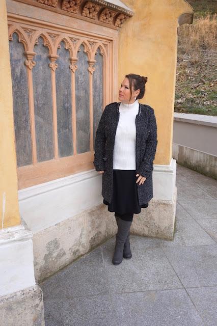 50 looks of lovet winter auf den modeblogs outfit mit mantel rock und stiefel fashion 40. Black Bedroom Furniture Sets. Home Design Ideas