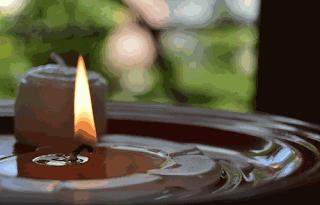 Lilin yang mencair karena dipanaskan www.simplenews.me