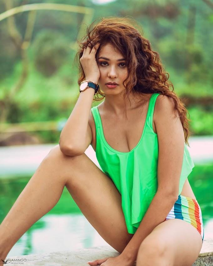Kimaya Kapoor Bold and sexy Photos