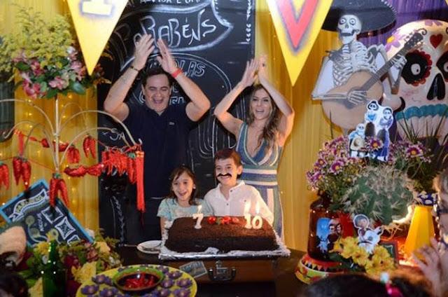 Carioca e Paola Machado comemoram aniversário dos filhos