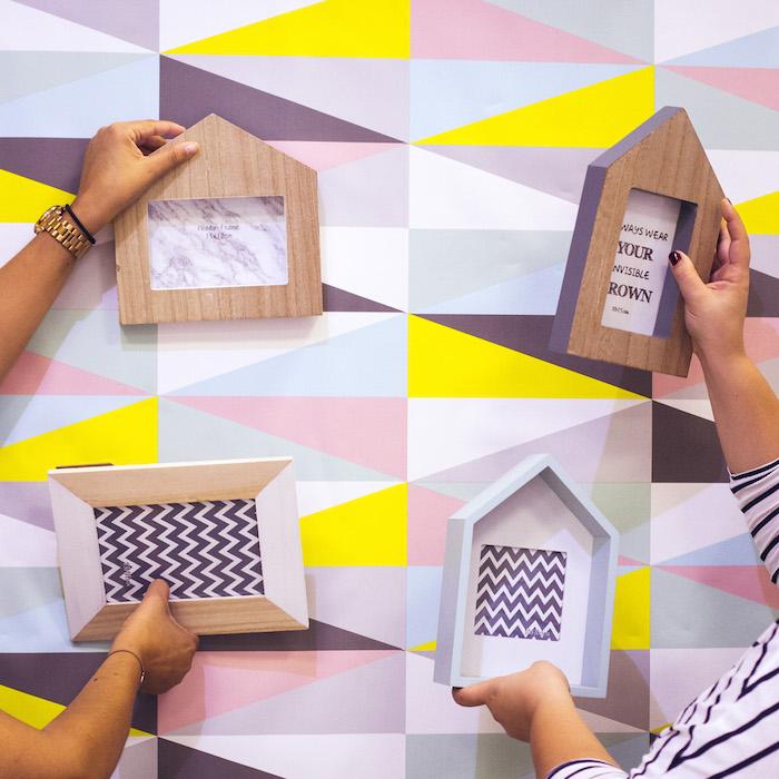 otoño en casa-2 ambientes para inspirarte- Papel pintado-casitas de madera