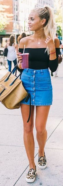 simple summer outfit idea: top + denim skirt + bag