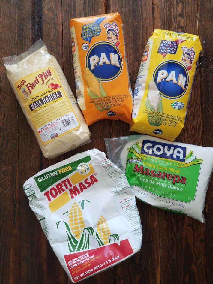 Distintos tipos de harinas para hacer arepas