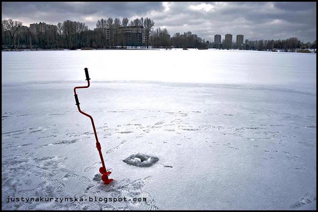 wędkowanie na stawie zima zdjęcia