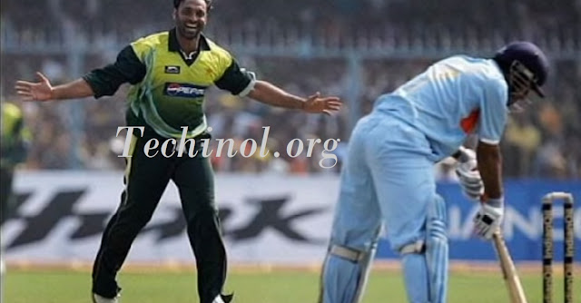 shoaib akhtar action after taking vicket