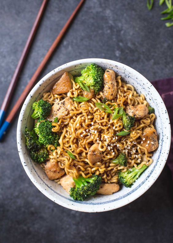 20-MINUTE CHICKEN RAMEN STIR-FRY #20minute #chucken #ramen #stir #fry #dinnerrecipes #dinnerideas #dinner