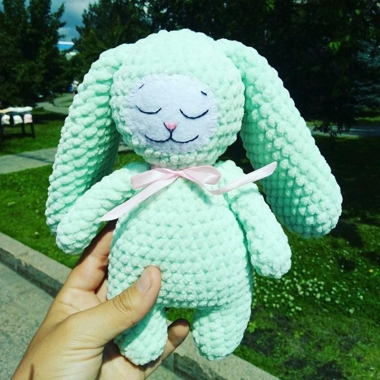 Crochet bunny: free amigurumi pattern