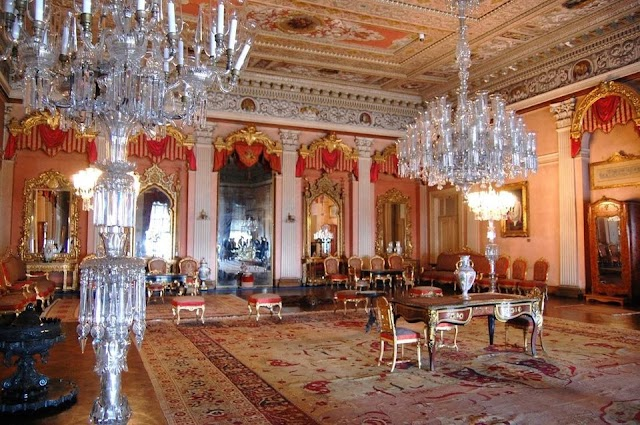 10 most splendid palaces in the world