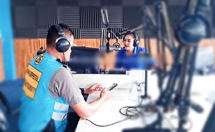 Biro SDM Polda Jambi Sosialisasikan Rekruitmen Polri Tahun Anggaran 2020 Malalui On Air Di RRI Pro 2