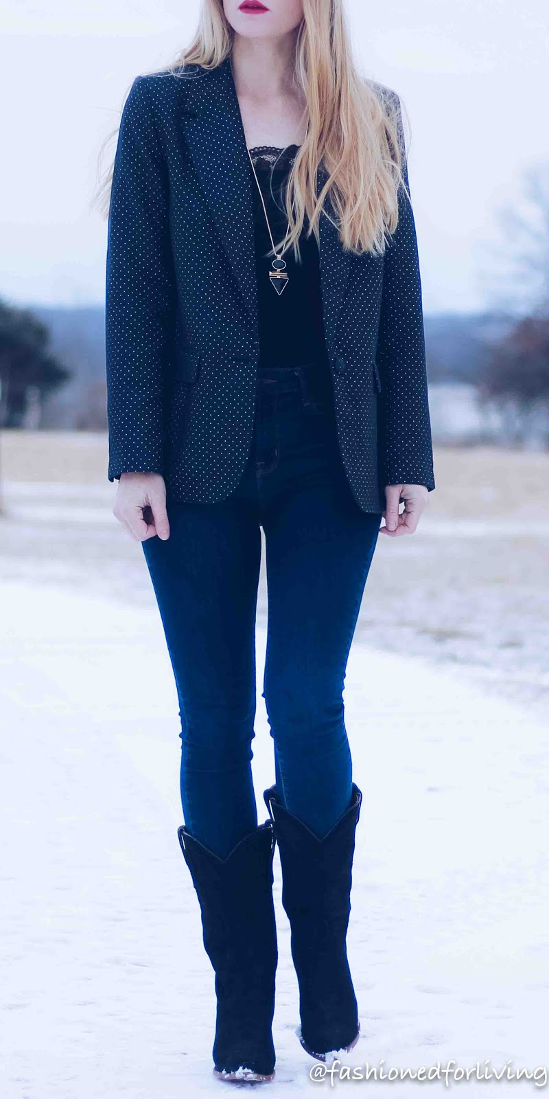 lace cami under blazer outfit
