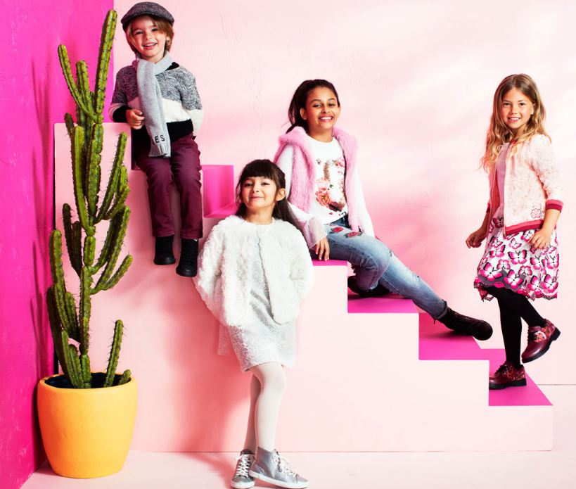 pretty nice 135d2 d113d Guess Kids A/I 2017-18: Stile USA che piace - Nerapoesia ...