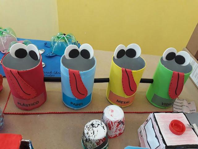Exposição de Sucata Projeto Reciclar e Brincar E Irmã Dolores