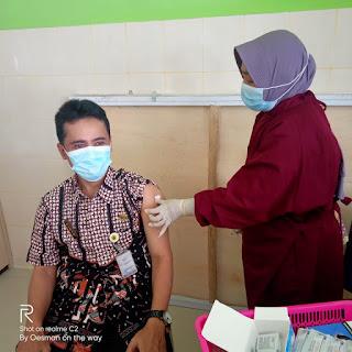 Petugas Pasar Belik Sudah Mulai Mengikuti Vaksin Sinovac