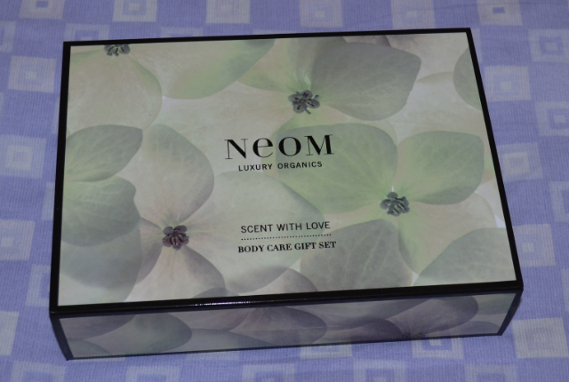 Neom scent with love bodycare gift set