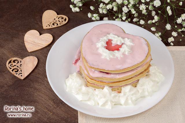 Торт из панкейков с кремом из творога: рецепт