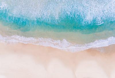 5 Hal yang Harus Diperhatikan Saat Memilih Pakaian untuk Liburan ke Pantai