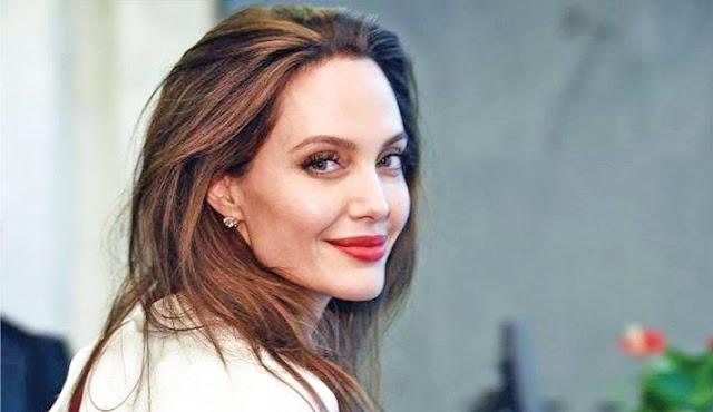 Profile Lengkap Angelina Jolie