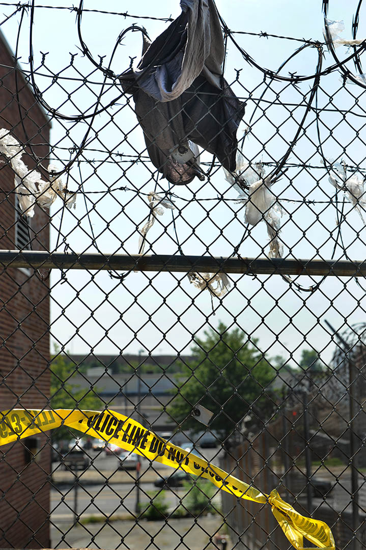 Groovy Washingtons Other Monuments Police Tape And Razor Wire Franklin Wiring Database Indigelartorg