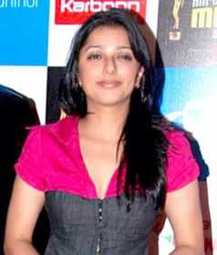 Munbe Vaa Song Lyrics - Shreya Ghoshal