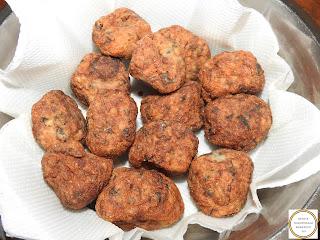 Chiftelute de post reteta de casa cu legume cartofi ceapa morcovi soia usturoi orez faina marar cimbru piper ulei prajite tigaie retete chiftele mancare aperitive gustare,