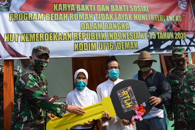 Tangis Bahagia Warga Demak Tempati Rumah Baru, Mbah Warsipan: Terima Kasih Bapak TNI