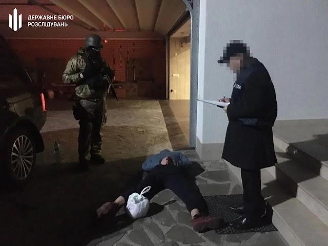 У Києві затримали поліцейського на вимаганні 150 тис. доларів
