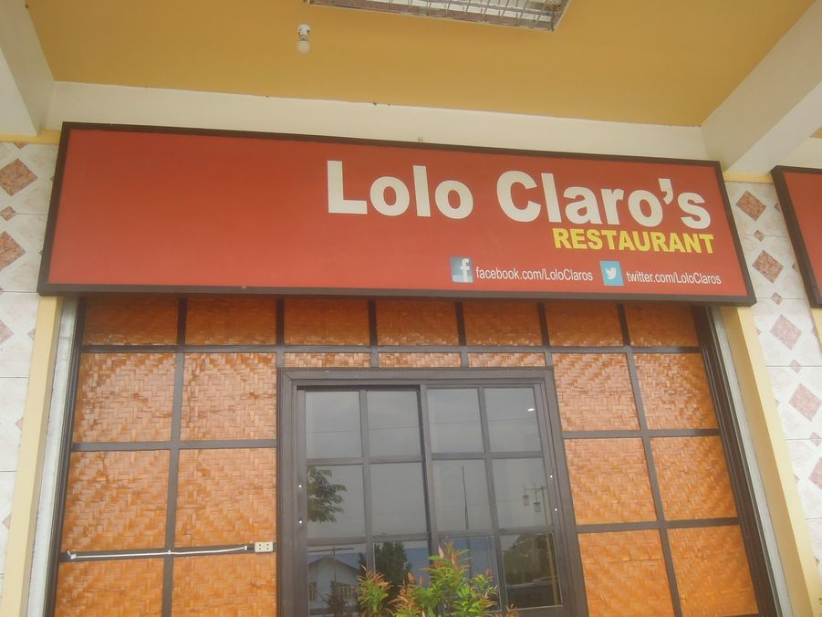 Lolo Claro's Restaurant: exceptional fried chicken