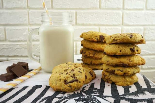 cookies faciles y rapidas con vaso de leche