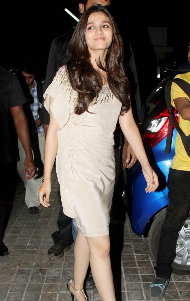 Bollywood Actress Alia Bhatt Hot Latest Hd Photos -4789
