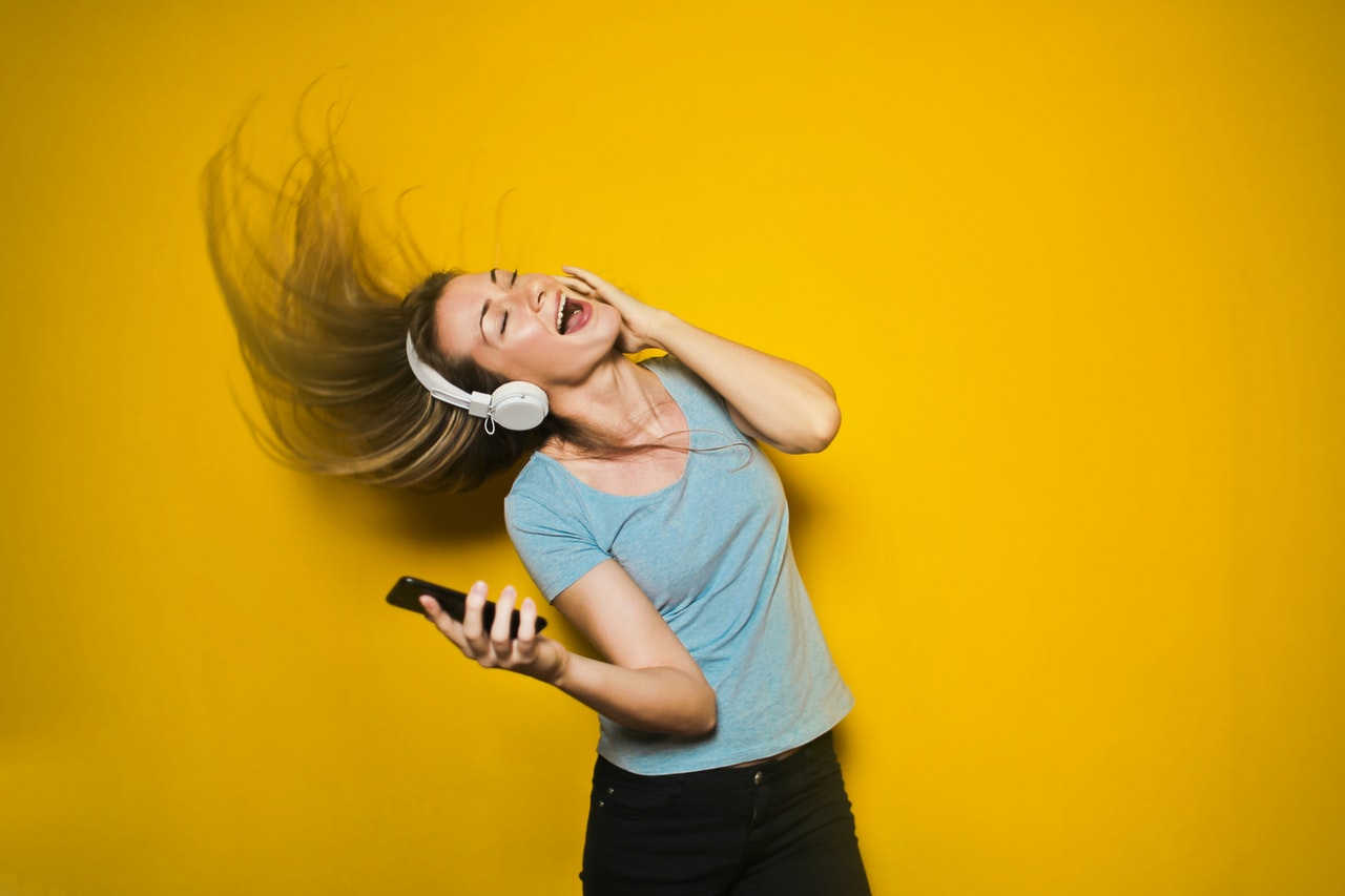 Music and blue to treat stress, according to researchers