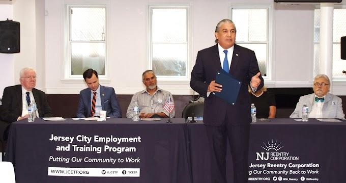 Castillo y ex gobernador de Nueva Jersey trabajan para reinsertar ex convictos dominicanos en la sociedad