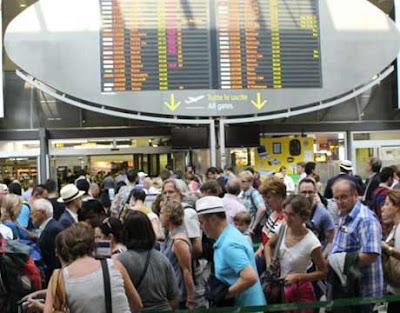 Aeroporto di Venezia Marco Polo strapieno di viaggiatori