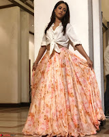 Nushrat Bharucha New Bollywood sensation from Sonu Ke u Ki Sweety Exclusive Unseen Pics ~  Exclusive Gallery 029.jpg