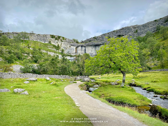 Malham Cove Walk best short parking Yorkshire Dales weather Harry Potter