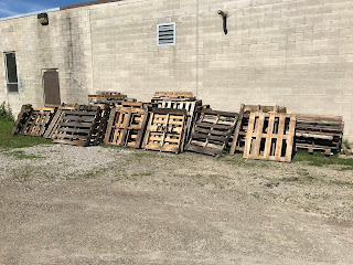 A mother-lode of pallets