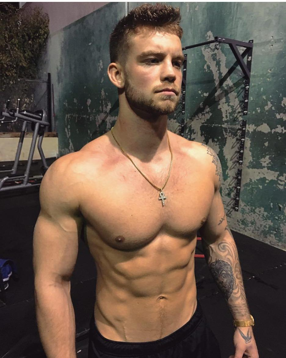 shirtless-young-bad-boy-fit-body-pecs-dustin-mcneer