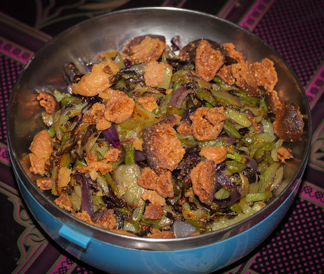 Bari fry with onion and skin of bottle gourd